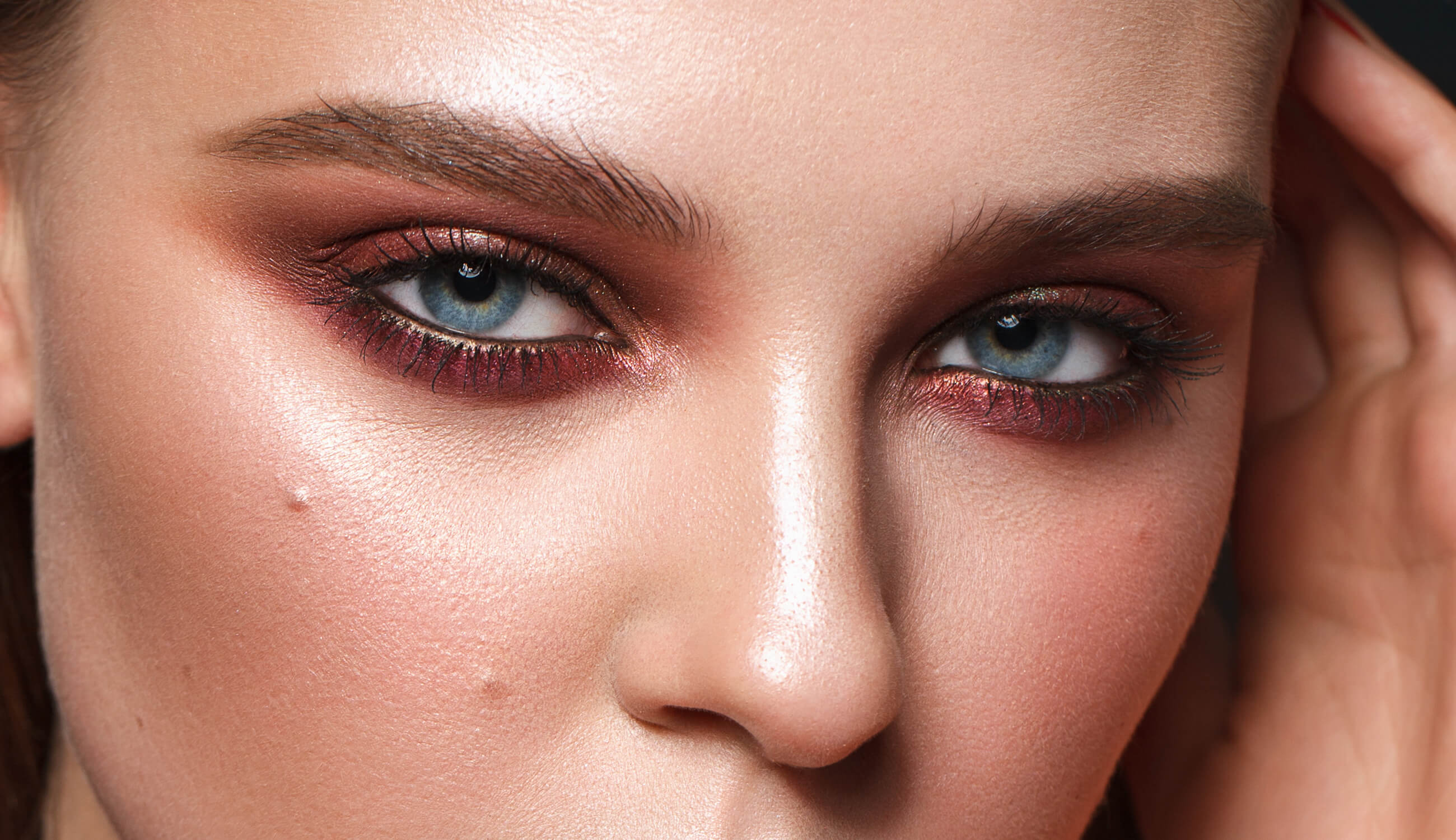 10 Easy Makeup Looks for Blue Eyes