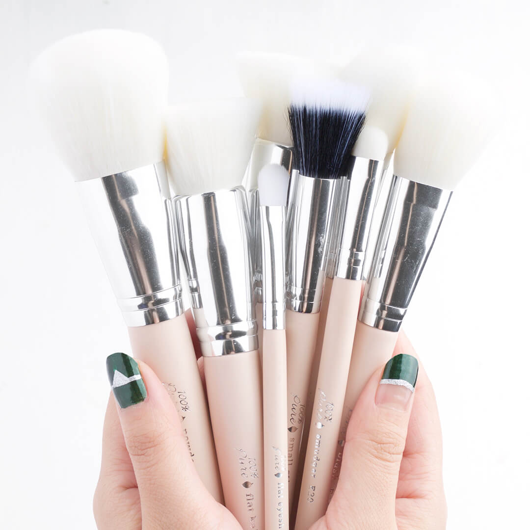 100% PURE Brushes