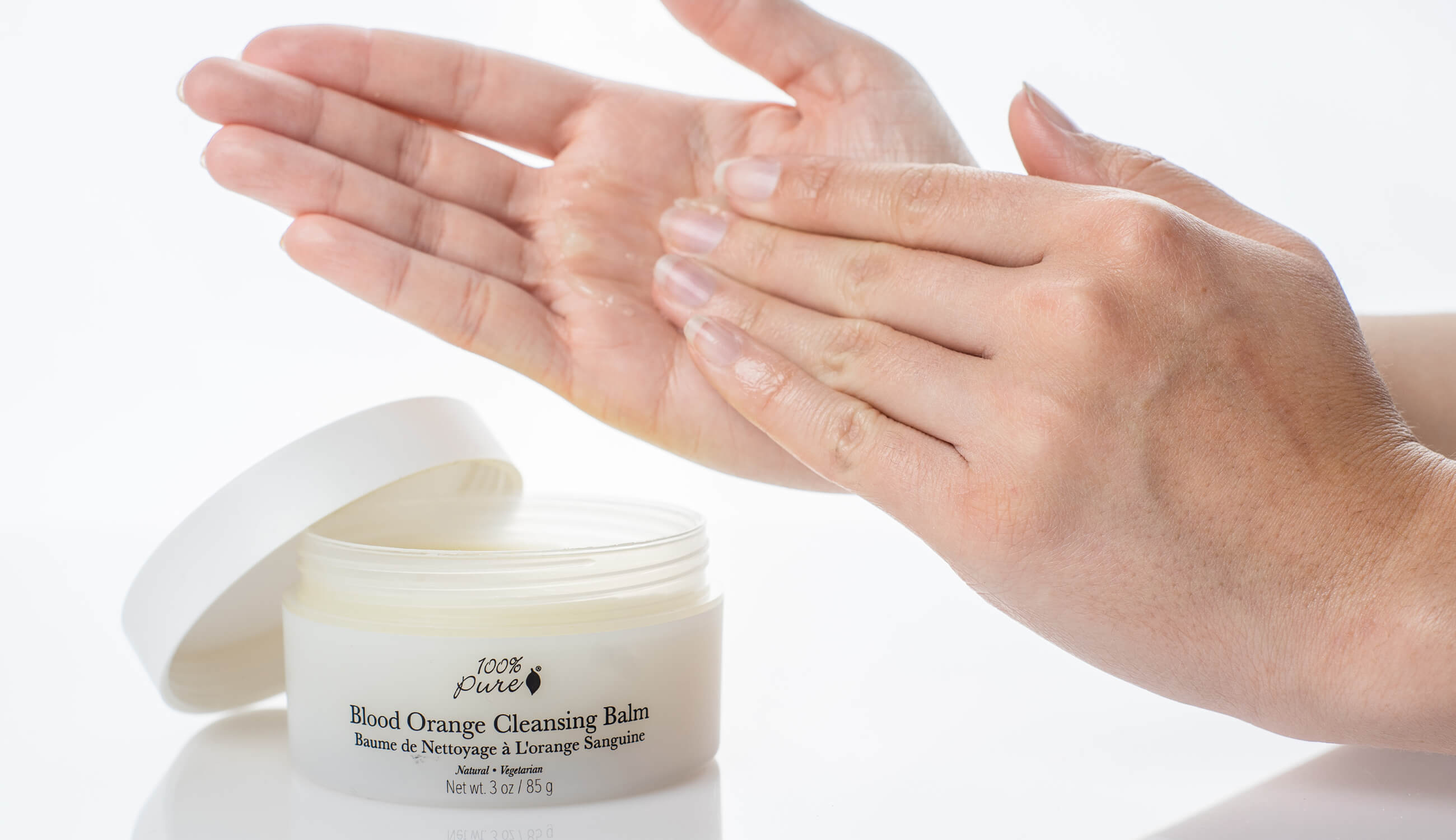 Cleansing balm hands