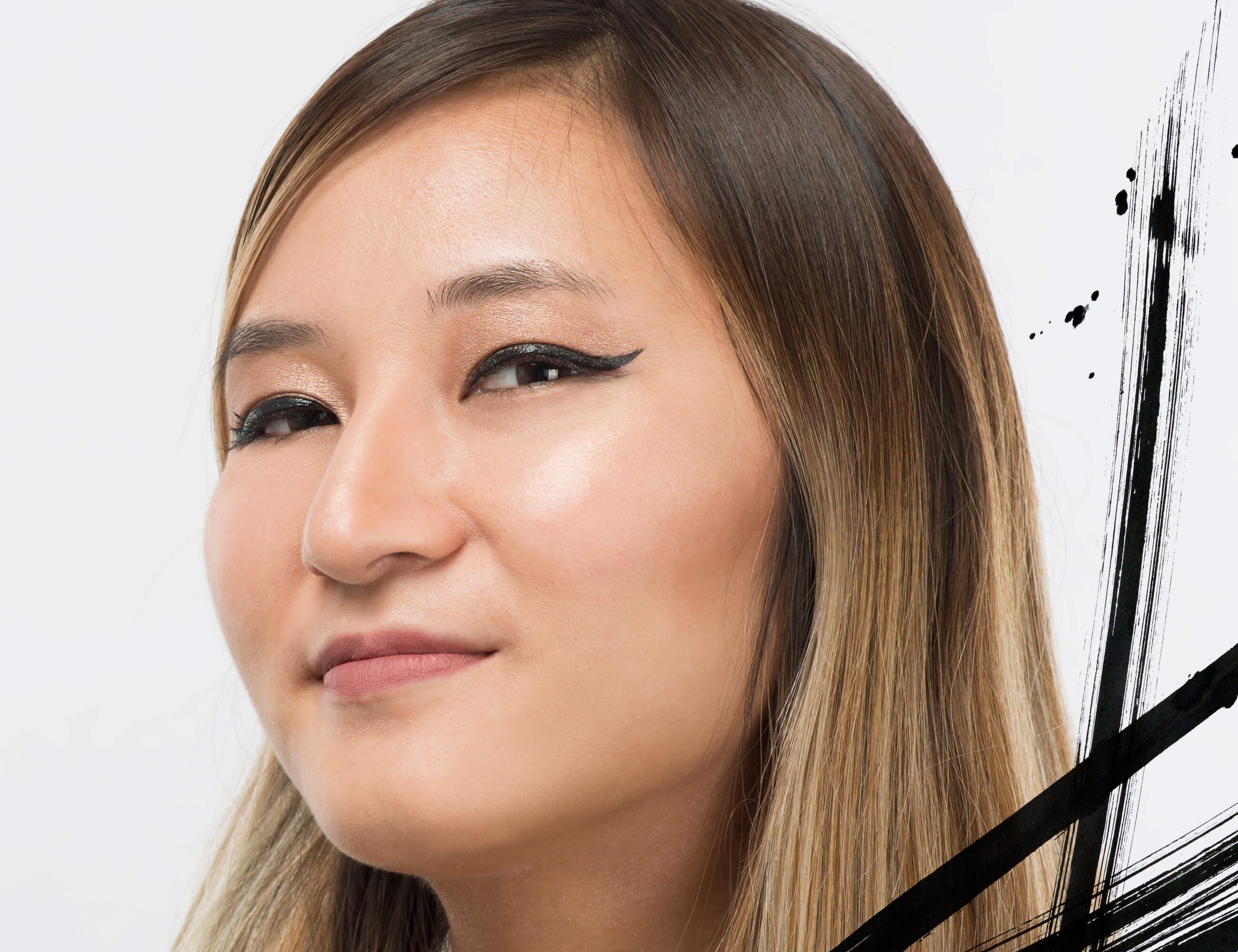 How To Do Winged Eyeliner In 3 Easy Steps 100 Pure