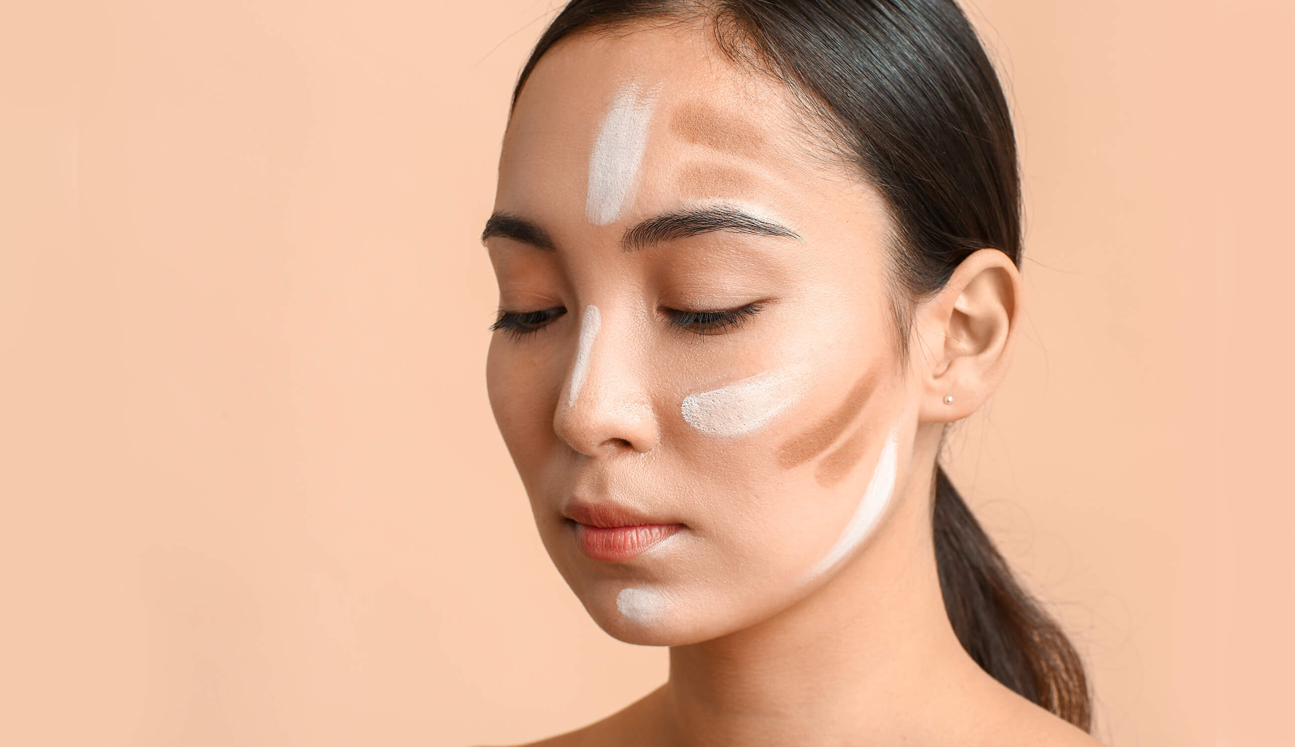Woman with contouring makuep