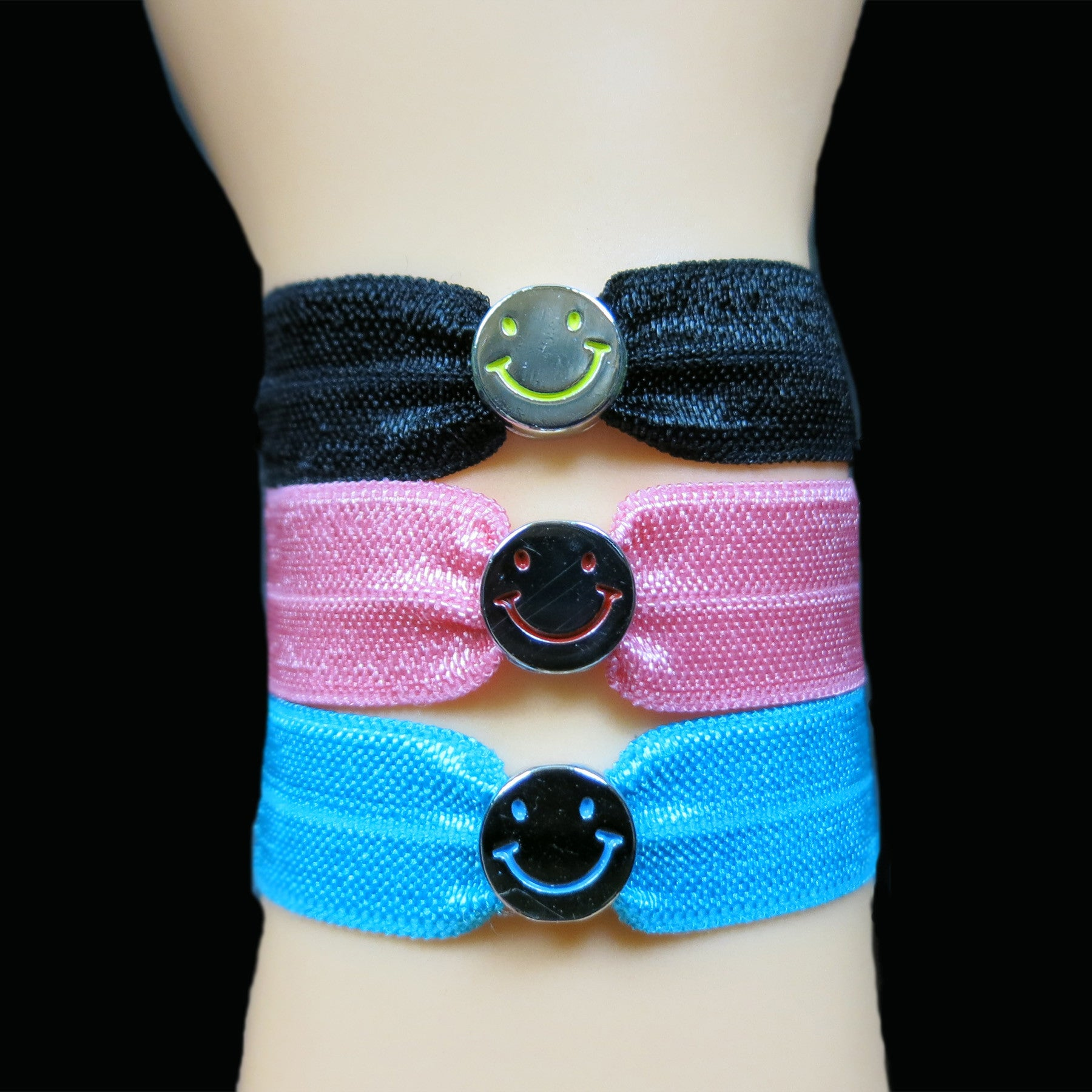 Silk Stretch Band with Smiley Charm