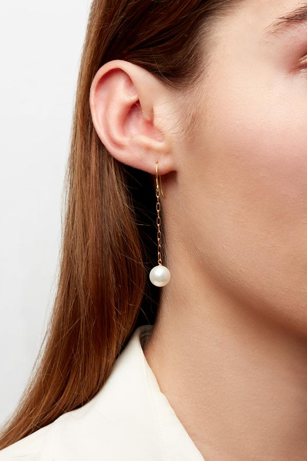 Candida Earrings with Single Pearl