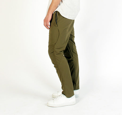 Tech_performance_Travel_pant