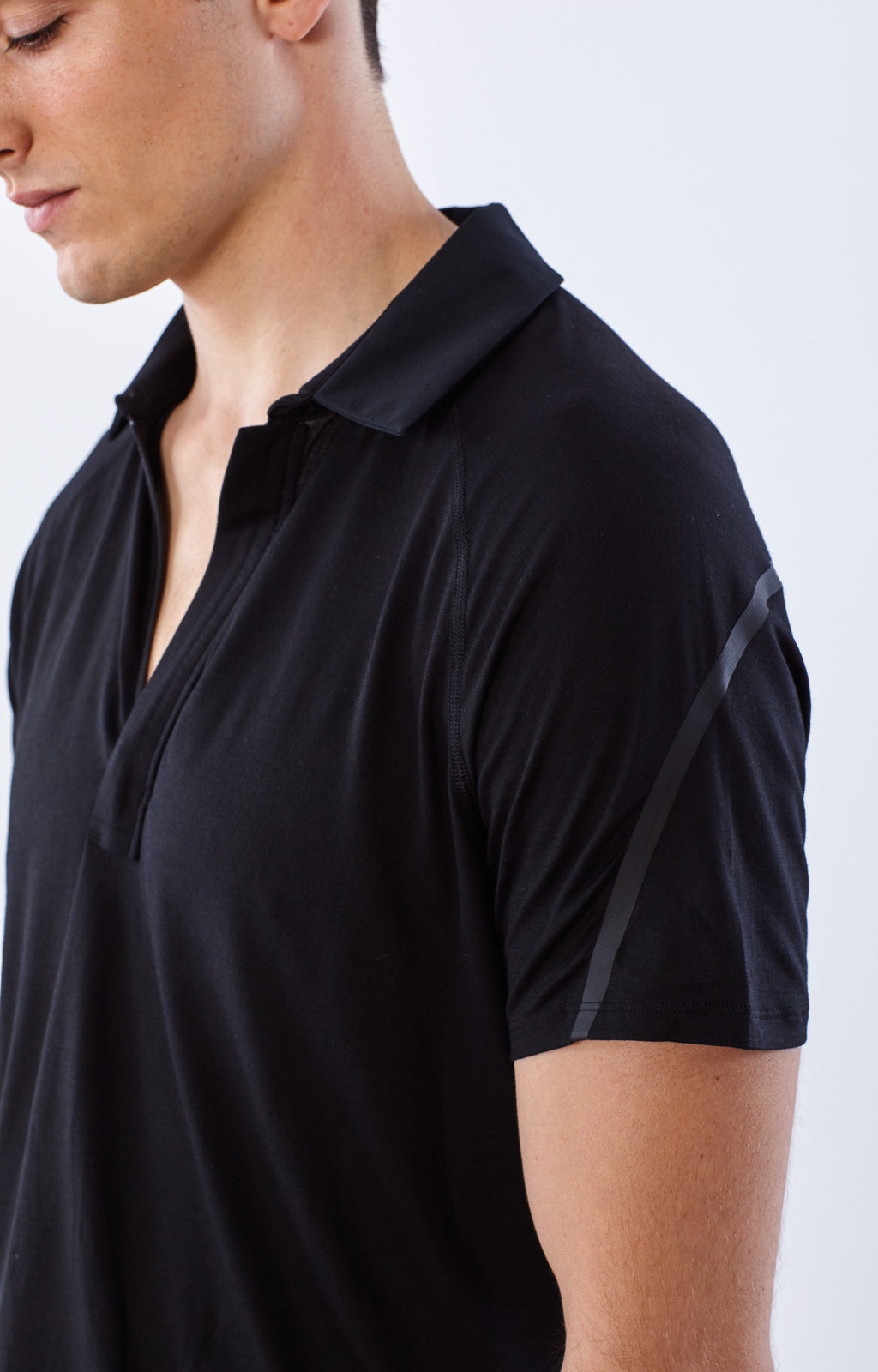 Innovator - Merino Silk Travel Polo in Black