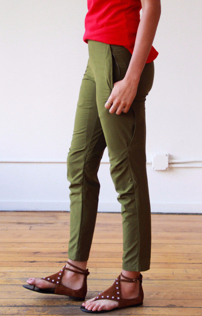 Aura - Exploring Pant in Pine Green
