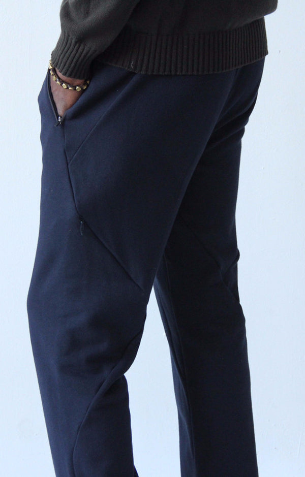 Nomad – A Cutting-Edge Knit Pant Navy