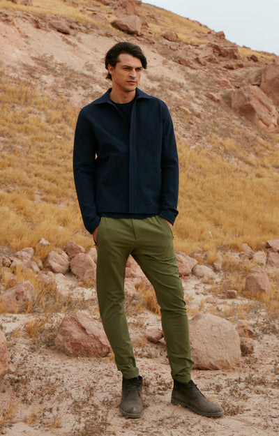 Minimalist - Metropolitan Travel Pant in Olive Green