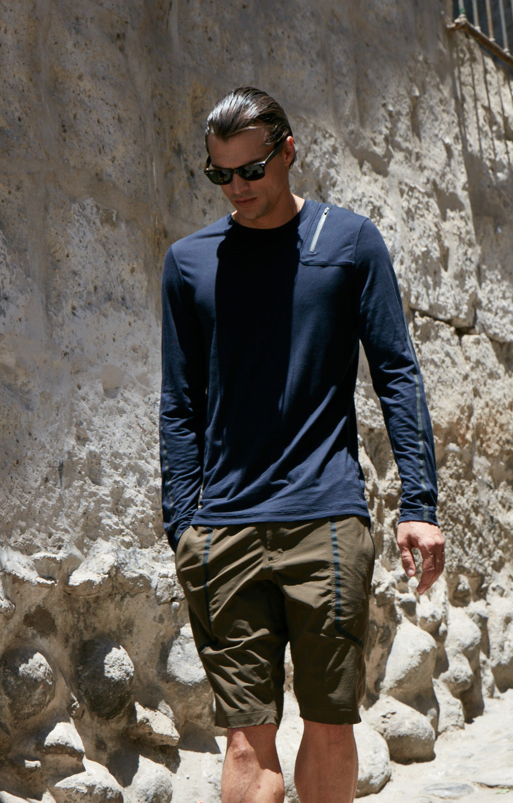 Artist - Innovative Merino Silk Long Sleeve Knit in Navy