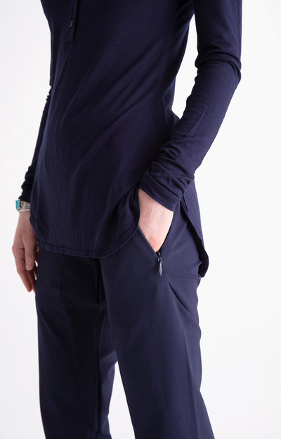 Minimalist - A Beautiful Slim-Fit Tech Pants Navy