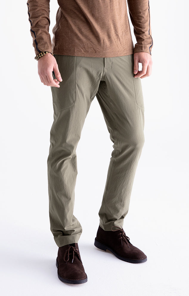 Urban - Ultrasonic Welded Seams Tech Pants in Khaki