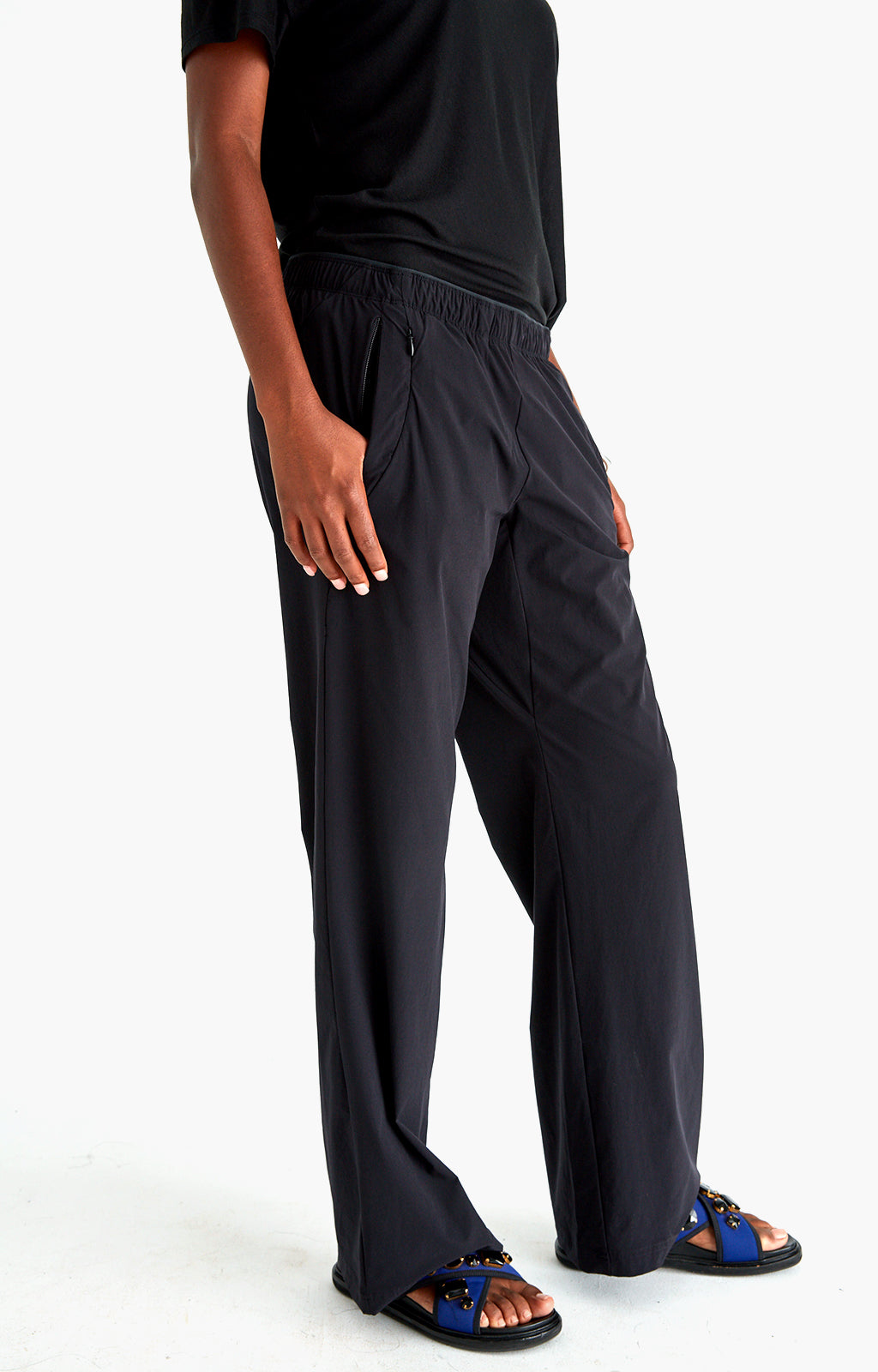 Imagine - Insanely Comfy Long-Haul Flight Pants in Black