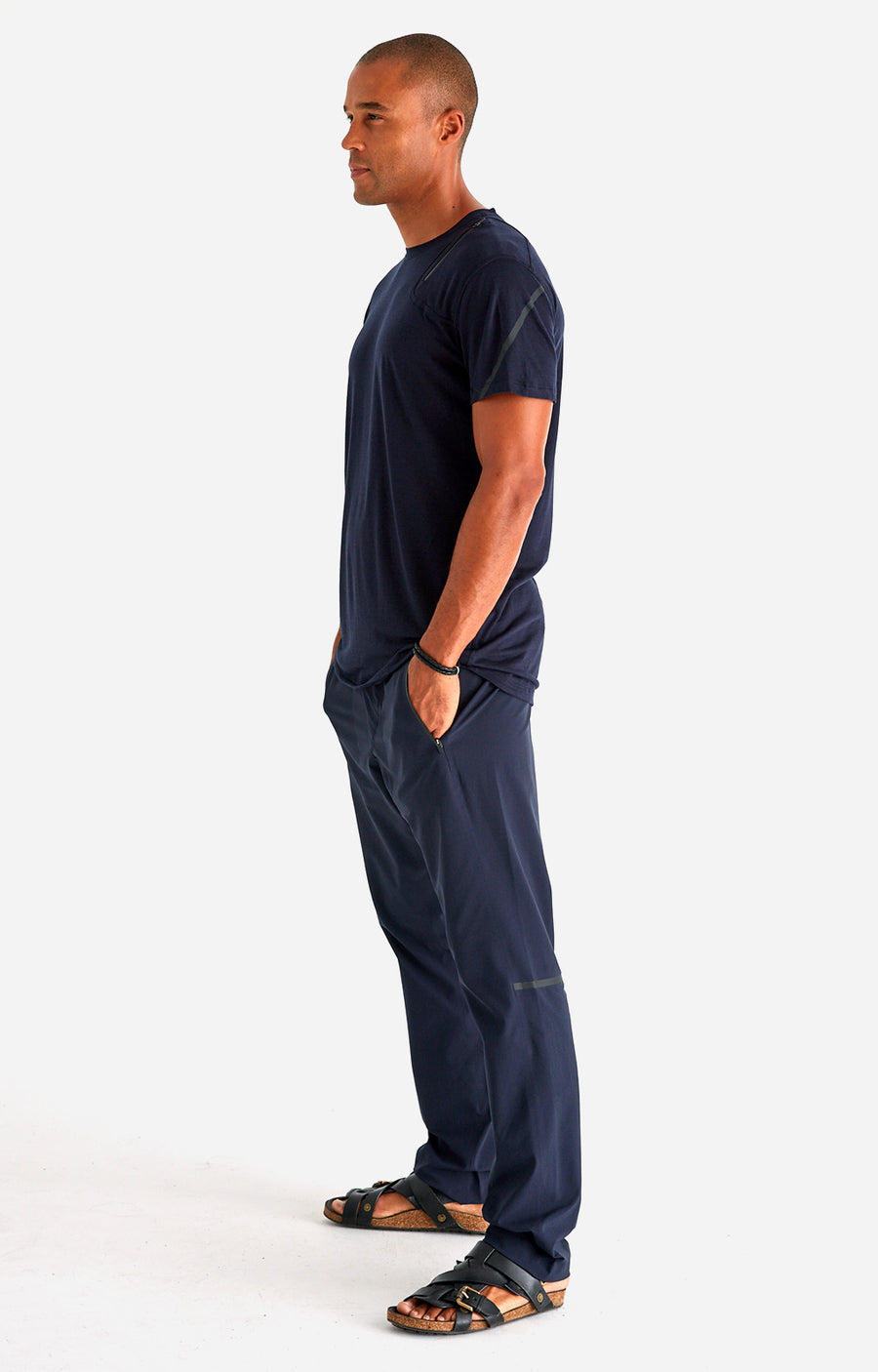 Artisan - The Ultimate Tech Travel Pant in Navy