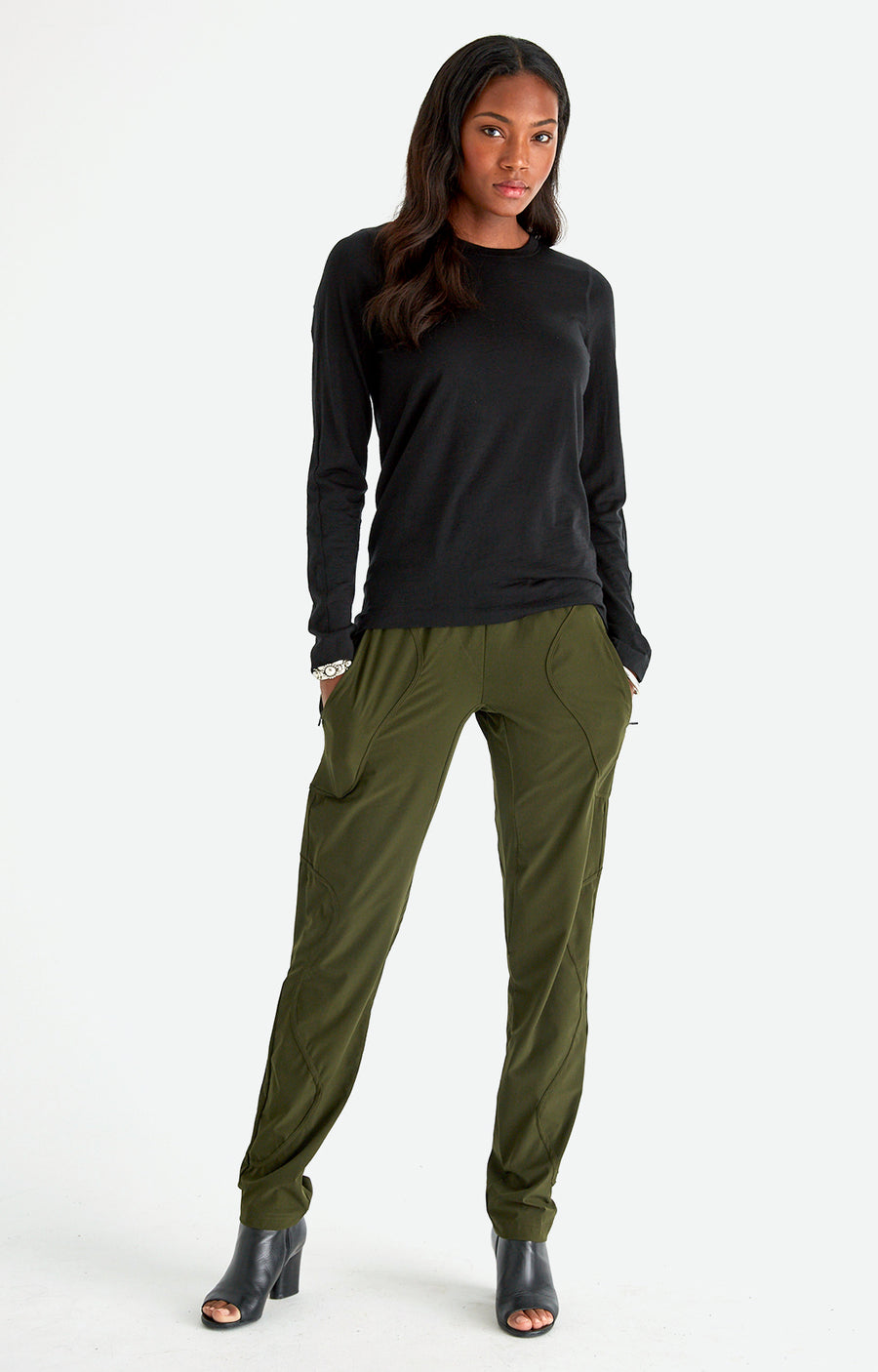 Wild – Beautiful Craftsmanship, Travel Utility Pants in Dark Green