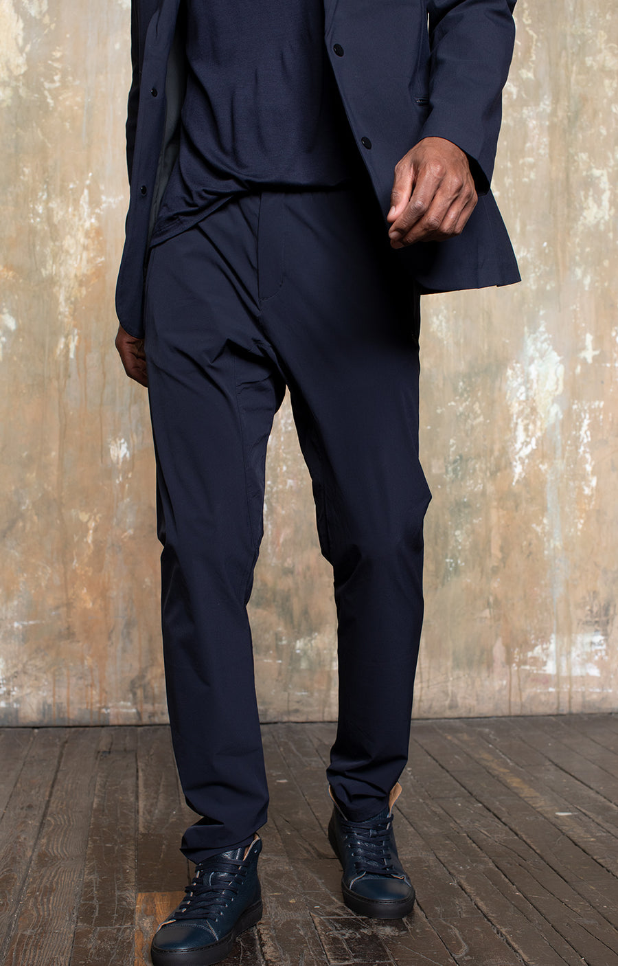 Minimalist - The Modern Tailored Travel Tech Pants in Navy