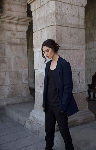 Individualist - The Boyfriend Tech Blazer in Navy
