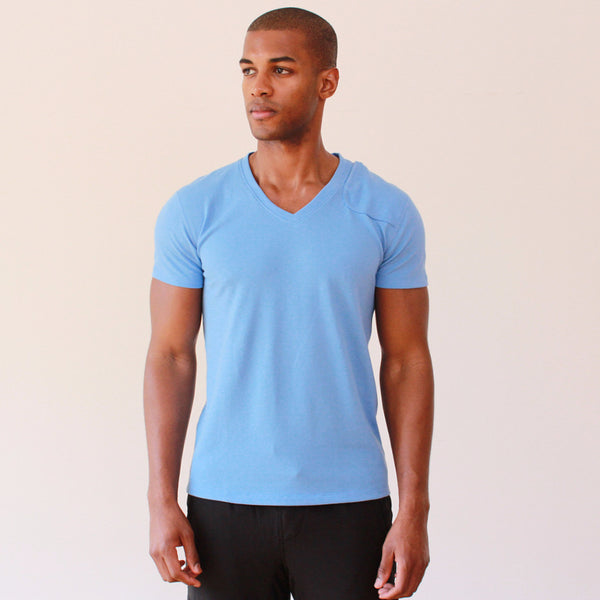 Lightness – Premium Zip Pocket Piqué V-neck Tee Blue