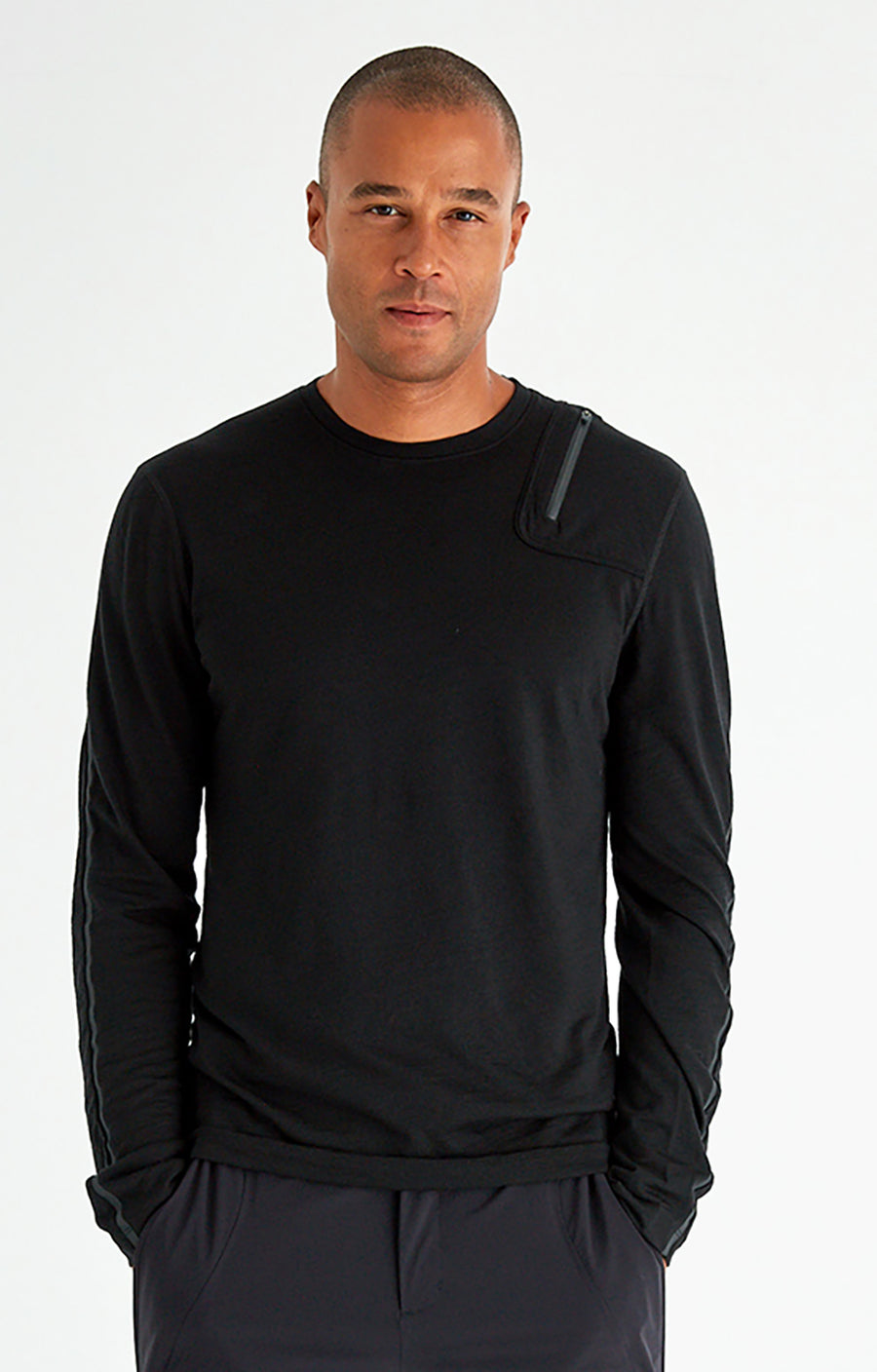 Artist - Merino Zip Pocket Long Sleeve in Midnight Black