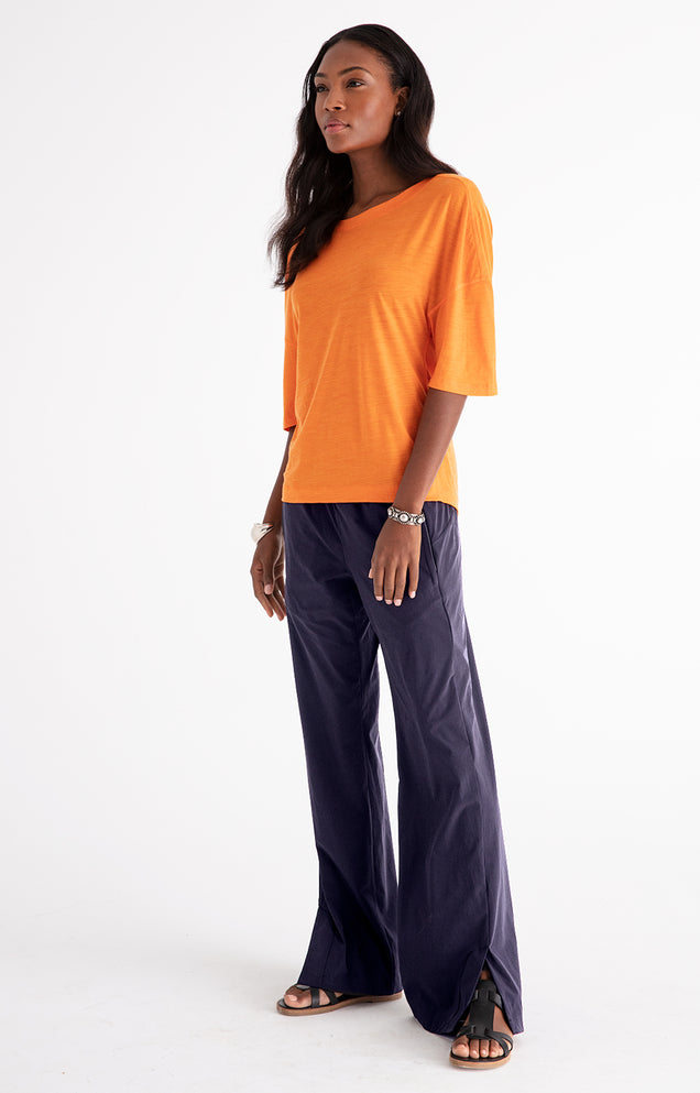 Escape - Relaxed Elegance Travel Pant in NAVY
