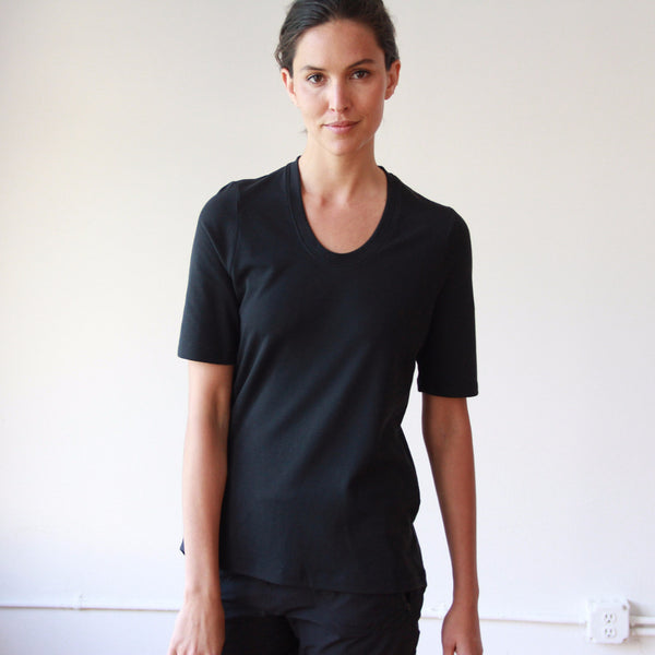 Dignity – Sumptuously Soft Piqué Scoop-Neck Tee Black