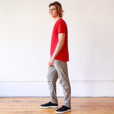 Lightness - Zip Pocket Piqu̩e V-neck in Red