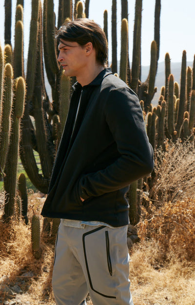 Epoch - Traveler Fleece Jacket in Black
