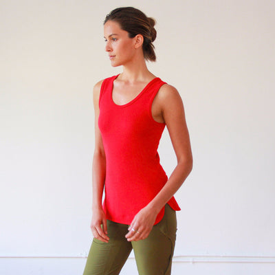 Oasis - Long Cut Pique Tank in Red