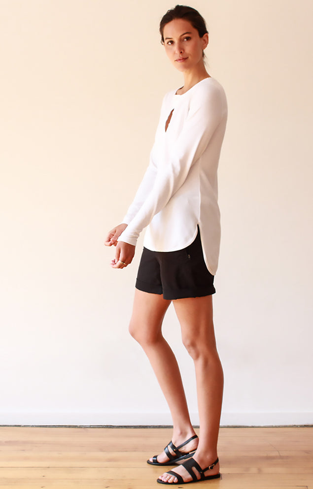 Tranquility - Stretch Travel Short in Black
