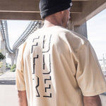 camiseta skate future outline bege modelo costas