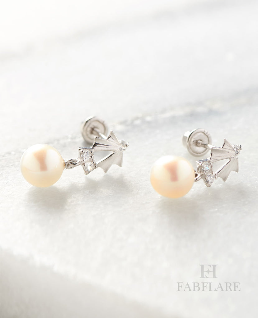 Hanging White Freshwater Cultured 5mm Genuine Pearl Cubic Zirconia Shell Design Stud Earrings in 14k Gold