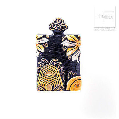 3C Studio Asian Embroidery Pendant - Black and Gold
