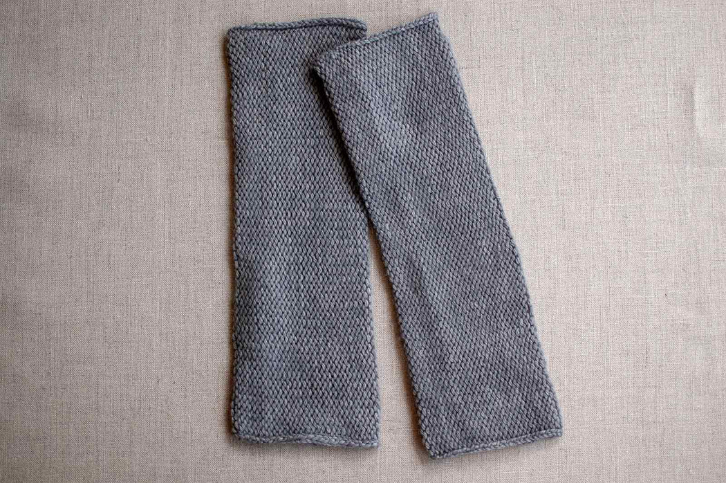 Pure Cashmere Arm Warmers in Mid Grey