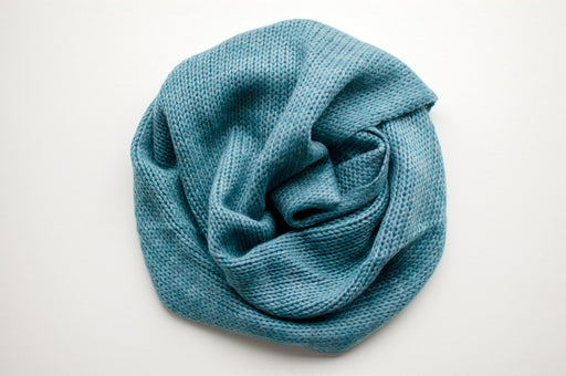 Pure Cashmere Möbius Loop Scarf in Teal