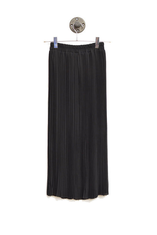 Black Maxi Pleated Skirt With An Elastic waistband!