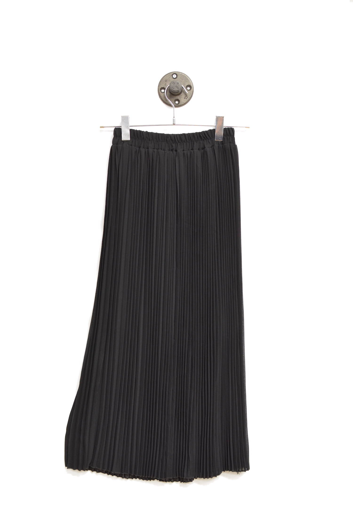 Black Maxi Pleated Skirt With An Elastic waistband