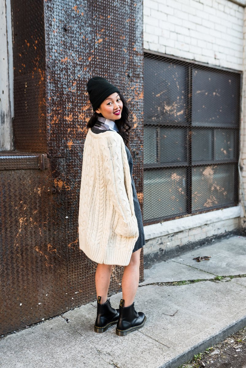 White Chunky Cable Knit Cardigan With Two Pockets For Winter