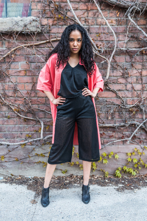 Black Cropped Pants That Is Regular Fit and Comfortable!