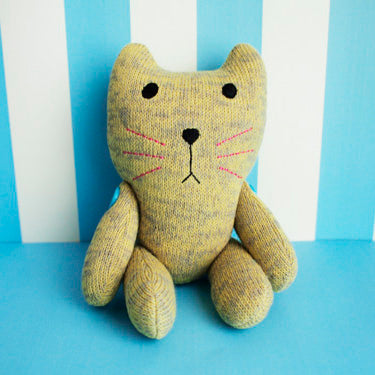 Chat Plush Doll