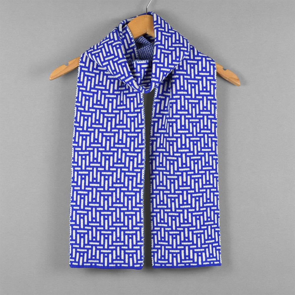 Kinetic Pattern Scarf Blue/White
