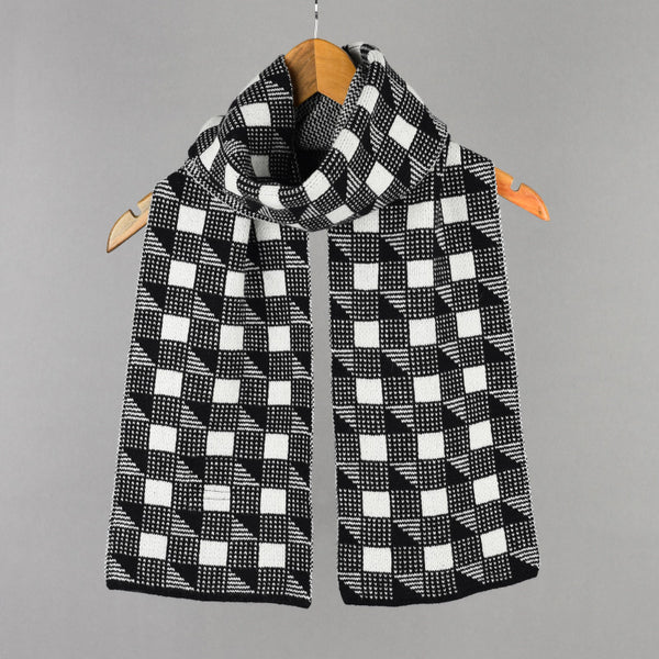 Cubes Pattern Lambswool Scarf Black and White