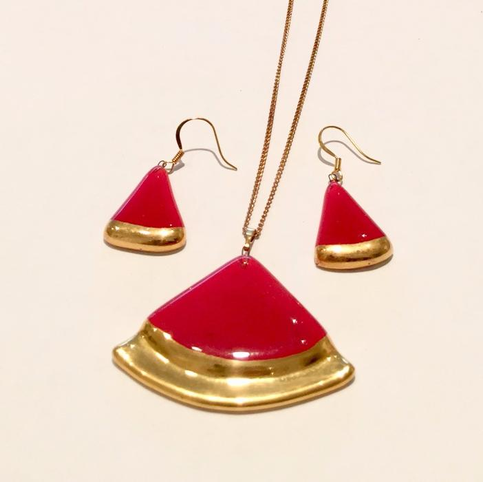 Red Triangular Pendant Set