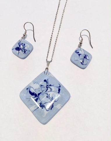 Light Blue-White Painted Sidelong Pendant
