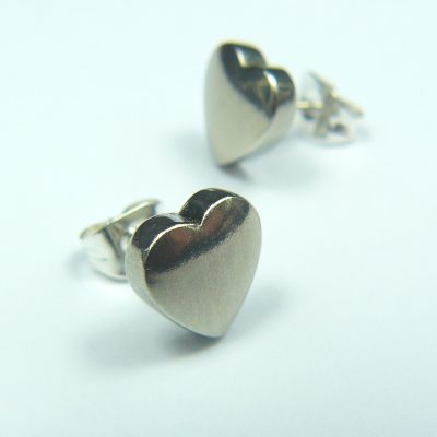 Simple Heart Studs