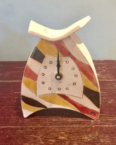 Rounded Small Mantel Clock 4