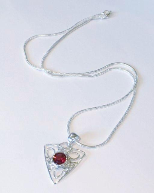 Celtic Design Pendant with Garnet