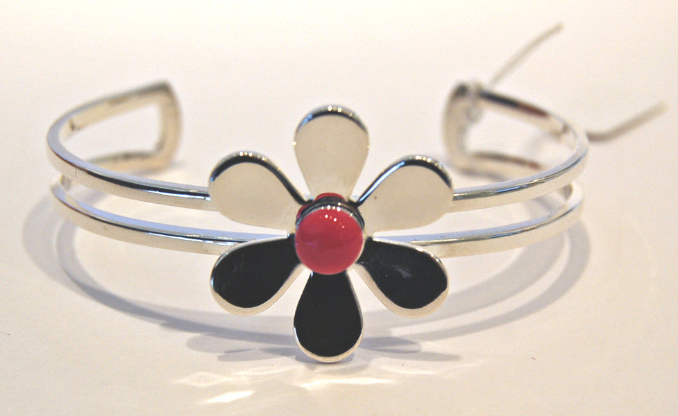Daisy Flower Bangle (Pink)