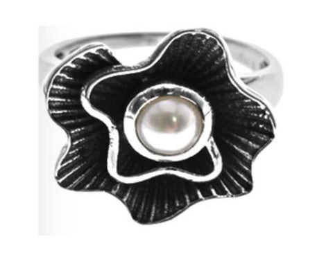 Oxidised Flower Ring with Pearl (Medium)