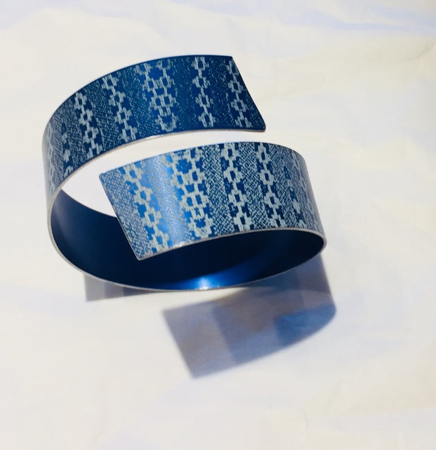 Linen Futures Strip Bangle (Blue Patterned)