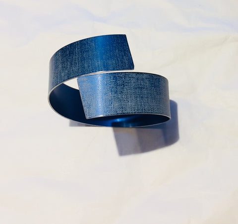 Linen Futures Strip Bangle 2 (Blue)