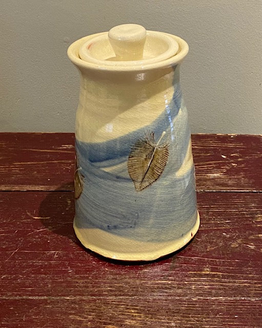 Feathers Lidded Pot (medium)
